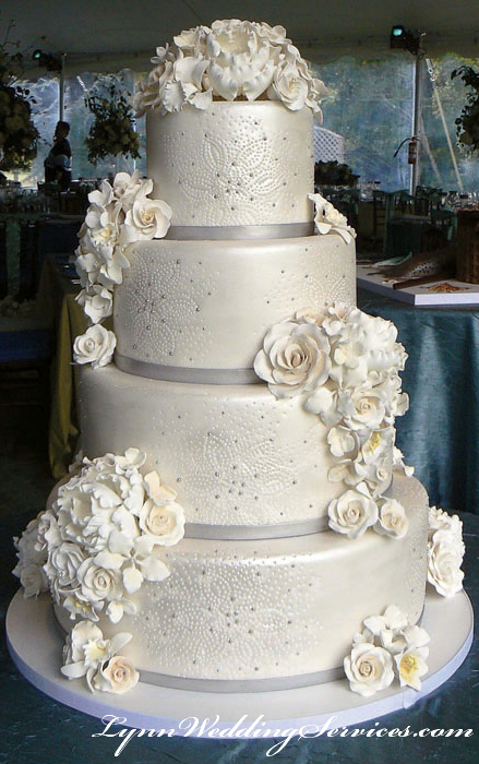 We Look Forward To Help You Selecting Your Perfect Cake