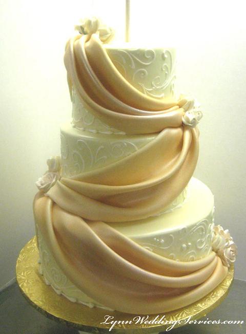 Wedding cakes, Theme Birthday Cakes, Theme Anniversary Cakes : Lynn